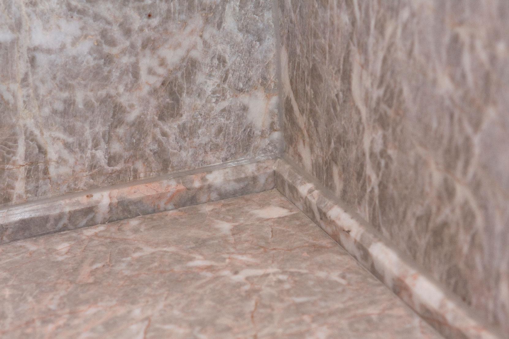 Marbonyx Houckham Fior Di Pesco Bathroom-1