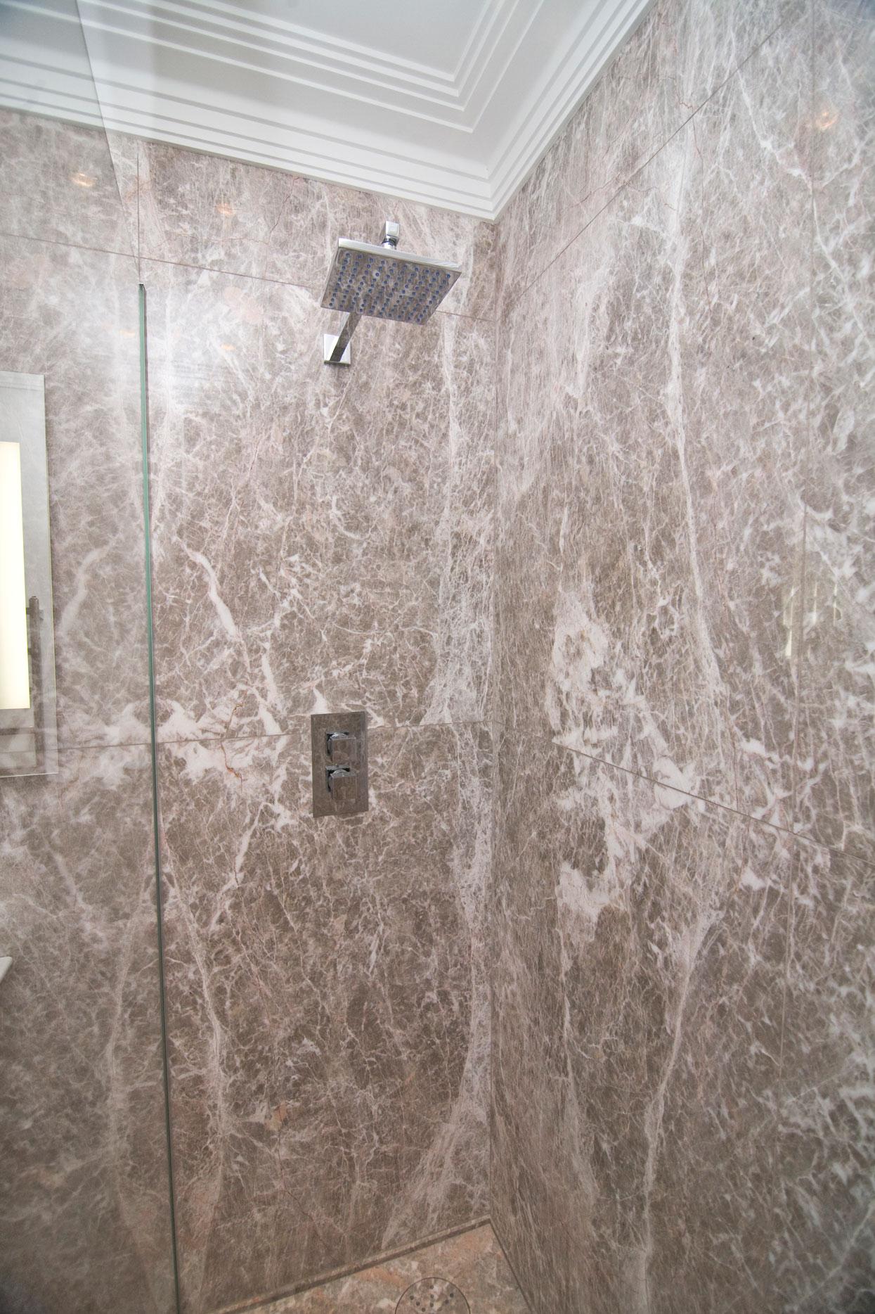 Marbonyx Houckham Fior Di Pesco Bathroom-3